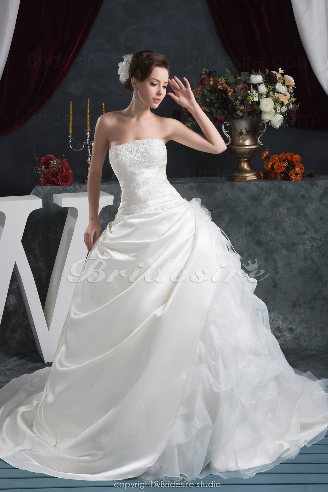 Ball Gown Strapless Floor-length Chapel Train Sleeveless Satin W