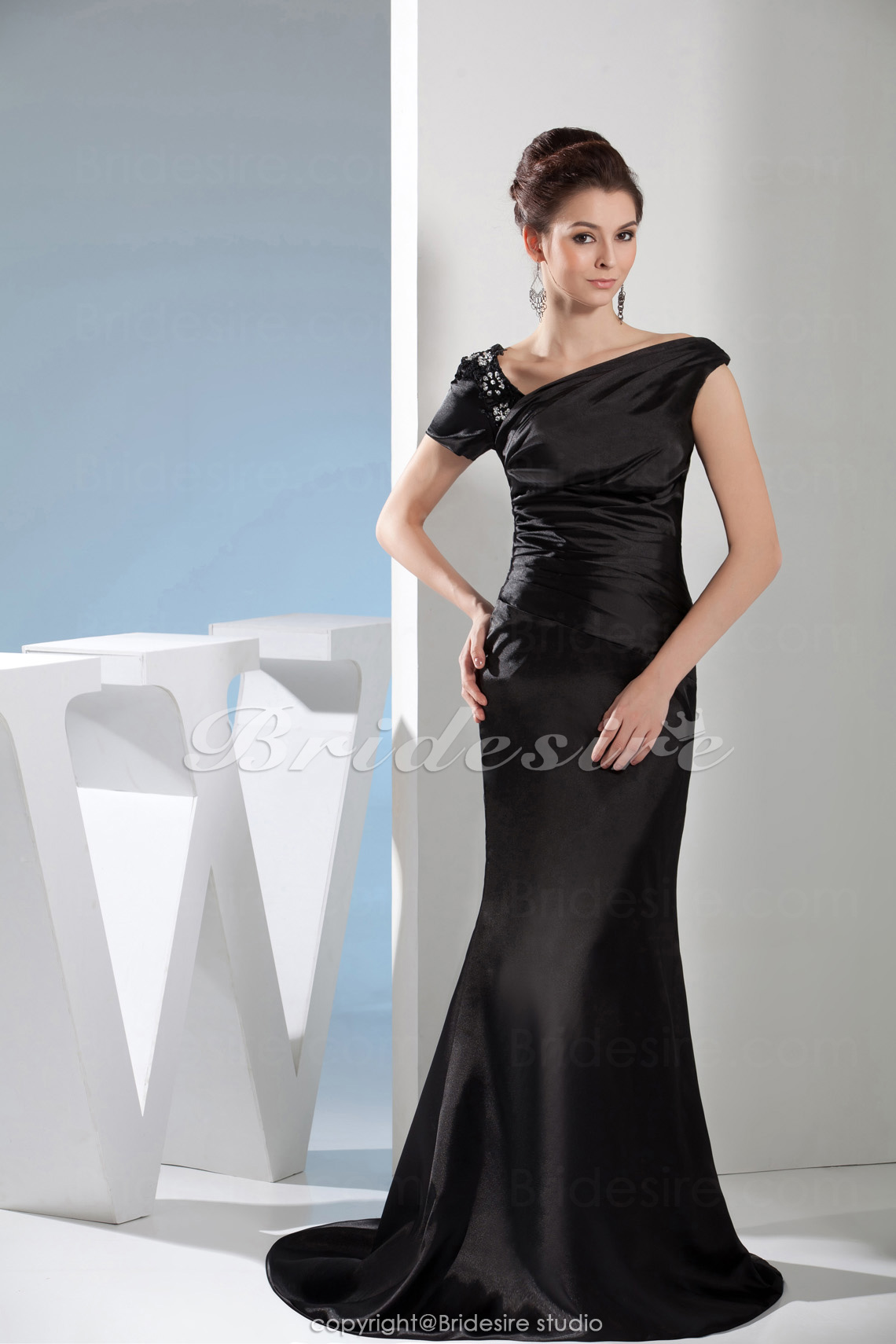 Trumpet/Mermaid V-neck Floor-length Sweep/Brush Train Short Slee